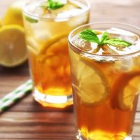 Iced-Tea-with-Lemon-in-2-glasses